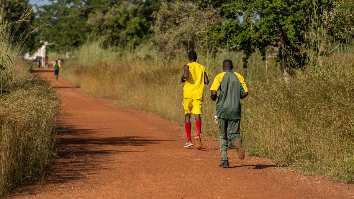 RUNNING RANGERS: Continuing our Monday fitness theme, running is a vital part of Chengeta's ranger training program. Not only does it keep rangers fit, it means they are prepared for any fast pursuit when on active operations & helps endurance for long patrols. #MondayMotivation