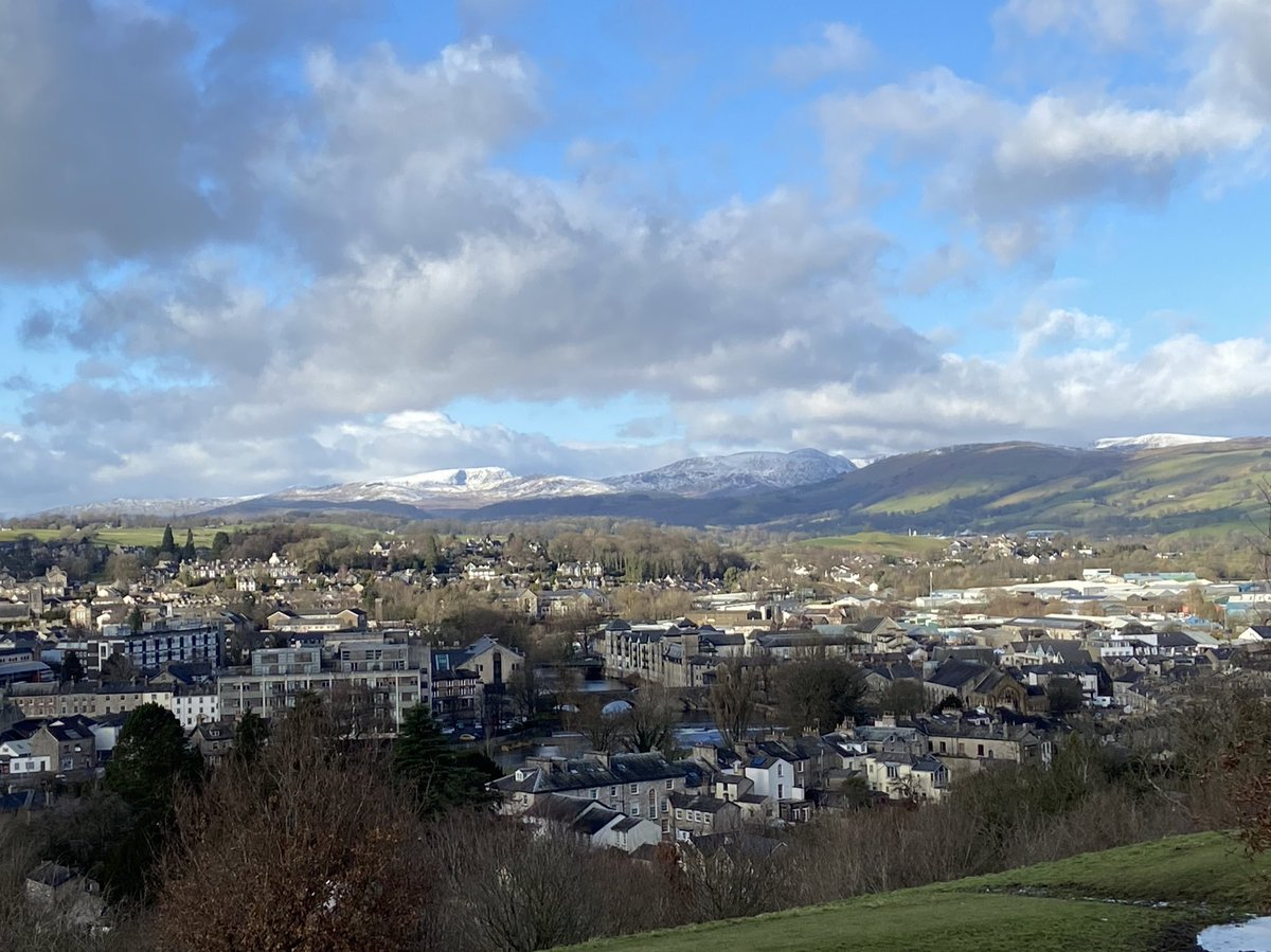 From Kendal Castle this lunchtime... just lovely #auldgreytown #MondayMotivation #lockdownrunning #Cumbria