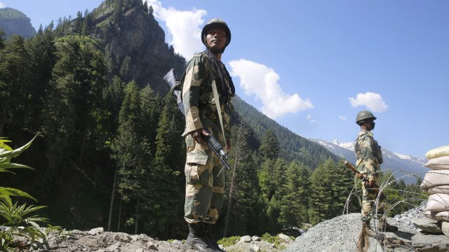 India, China army commanders' talks on border dispute 'positive' Photo