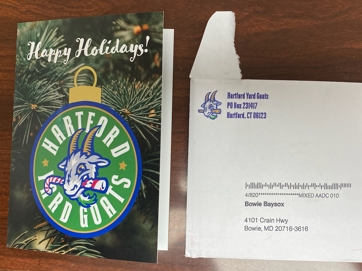 @GoYardGoats Many thanks for the Happy Holidays card (that just arrived today)! 😂  #MerryChristmas #HappyHolidays #uspsdelays