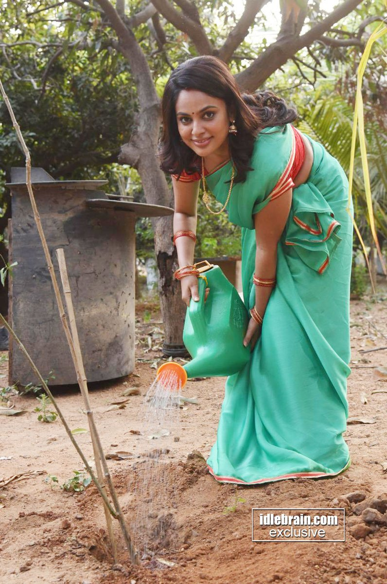 .@Nanditasweta  - Green India Challenge  గ్రీన్ ఇండియా ఛాలెంజ్ లో భాగంగా మొక్కలు నాటిన ప్రముఖ నటి నందీత శ్వేత