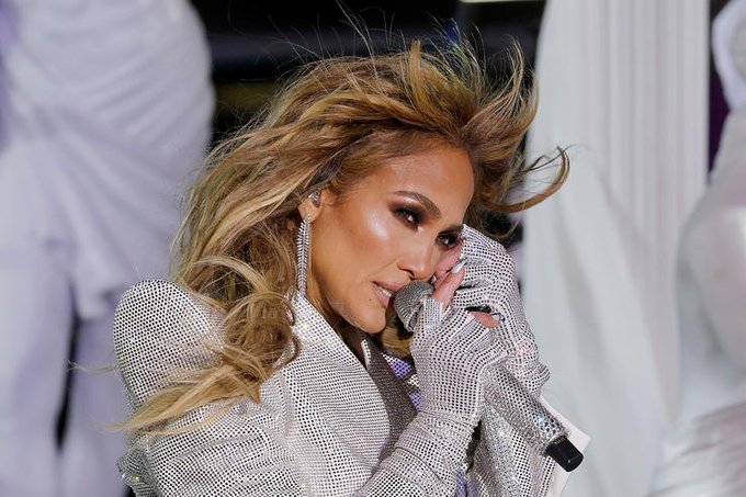 Jennifer Lopez Recreates Love Dont Cost A Thing Video 20 Years Later Photo