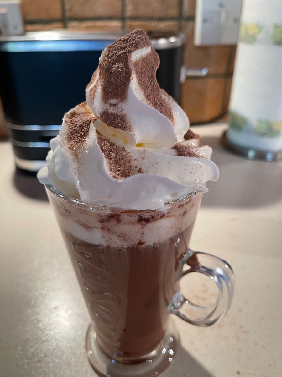 It's a hot chocolate kinda day..   made by my own fair hands 👀🤣😂 #madeinKirkcaldy glass by @CostaCoffee  Hot chocolate by cadburys 🤭 cream is skooshy 🙄 🏴💙 #mondaythoughts #Tasty @LoveOorLangToun
