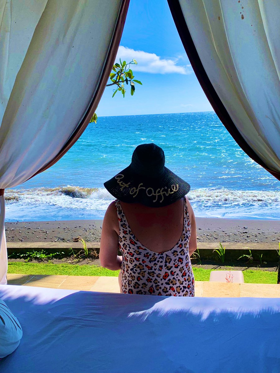 Taking a #timeout in #Tembok, #Bali was one of the best #ideas 💡 ever! We took our first #digitaldetox on this #trip, #read all about it...   #Indonesia #selfcare #travelblogger #travelagain #MondayMotivation #traveltomorrow #vitaminsea #travel #travelling