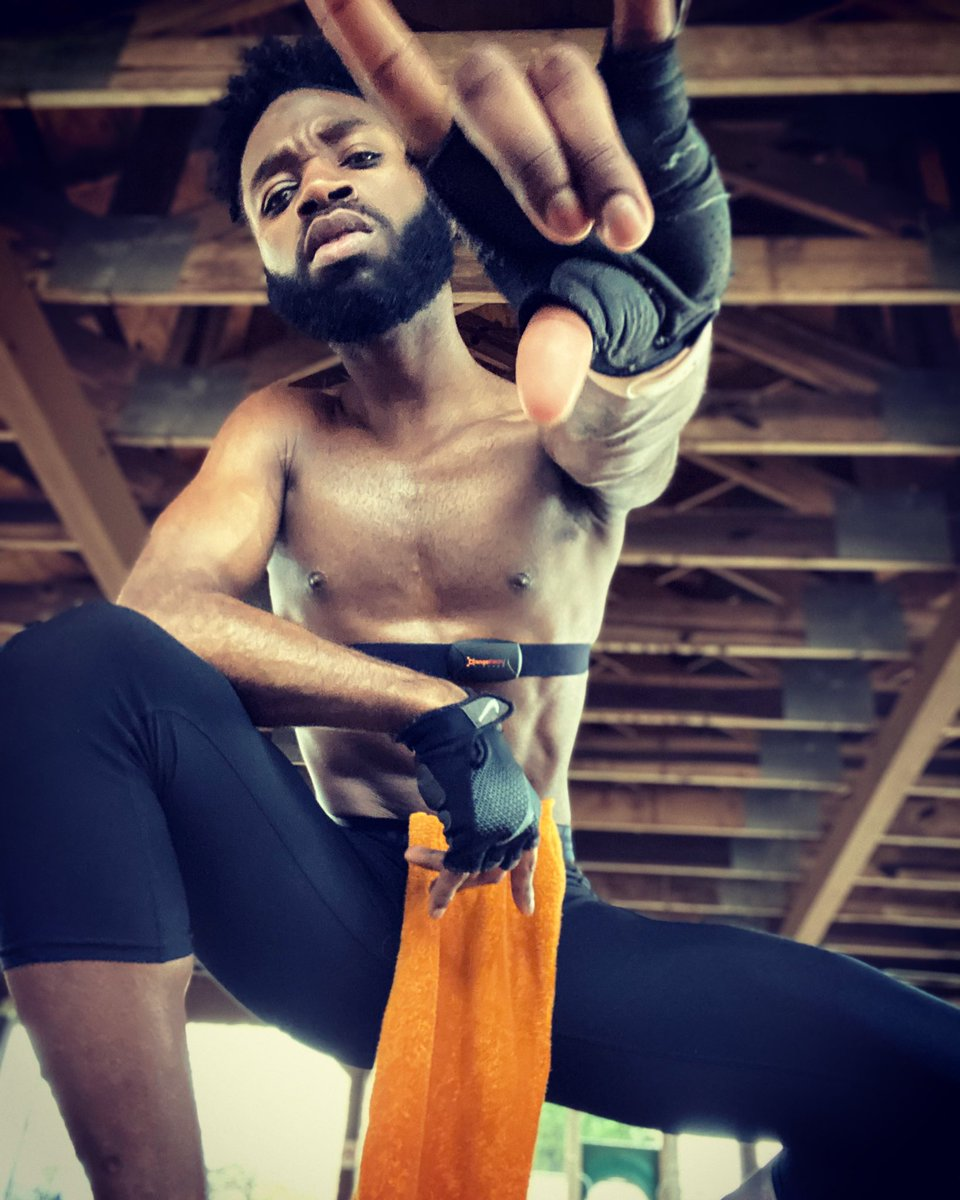 Kick ass and rock out doing it. #otfathome #outofstudio #orangetheoryfitness #otf #fitness #fitfam #musicandmuscles #gains #summerbody #AceA #MrMS19 #MrUSA18 #hairless #abs #work #workout #mondaymotivation #mondaymorning #monday #beardgang