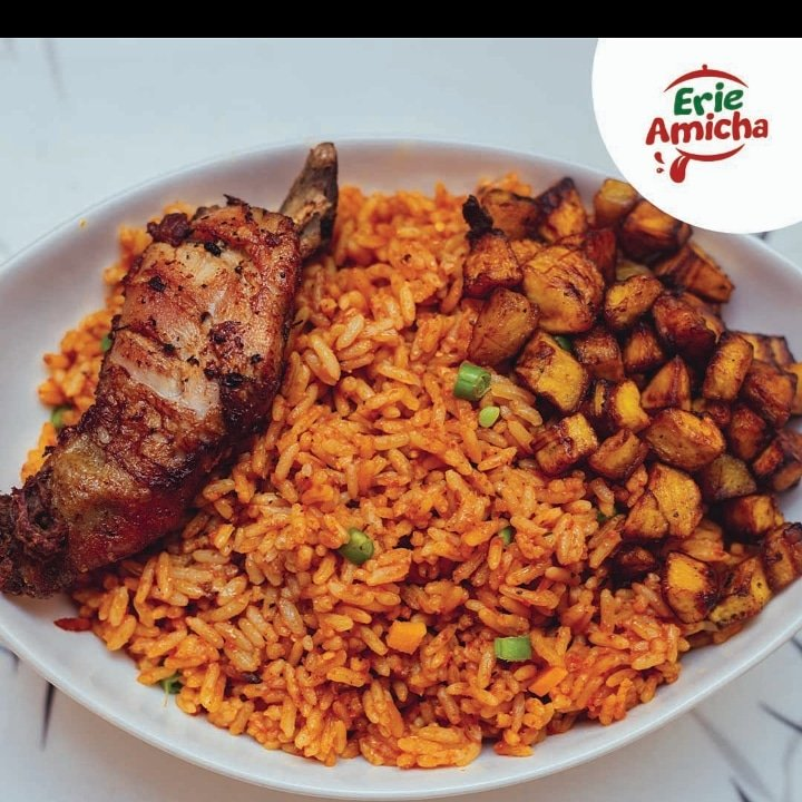 All you need is love but sometimes a lunch break works too, with a yummy taste of rice, plantain and chicken.  Place your order now!!!   #erieamicha #food #foodie #instafood #foodphotography #lunchEnugu #fooddelivery #yummy