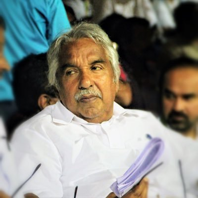 Former #Kerala CM & senior #Congress leader @Oommen_Chandy has said that the LDF govt recommending a CBI inquiry against him & 5 other leaders in the solar sex scandal case is a clear case of political vendetta & added that he & his party colleagues are not afraid of the inquiry.