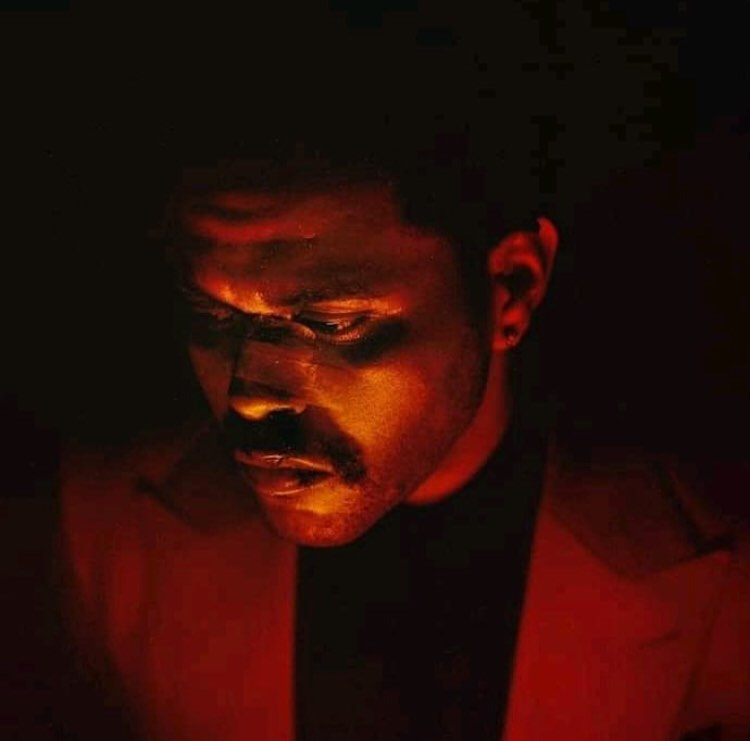.@theweeknd's 'Blinding Lights' has re-entered the top 10 of US Spotify chart, at #9.