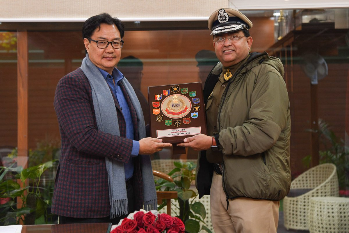 Sh Rakesh Asthana, DG BSF called on Sh Kiren Rijiju, Minister of State (Independent Charge) of Ministry of Youth Affairs and Sports, Govt of India today. DG BSF apprised him regarding measures taken to improve sports in the force & promote #FitIndiaMovement