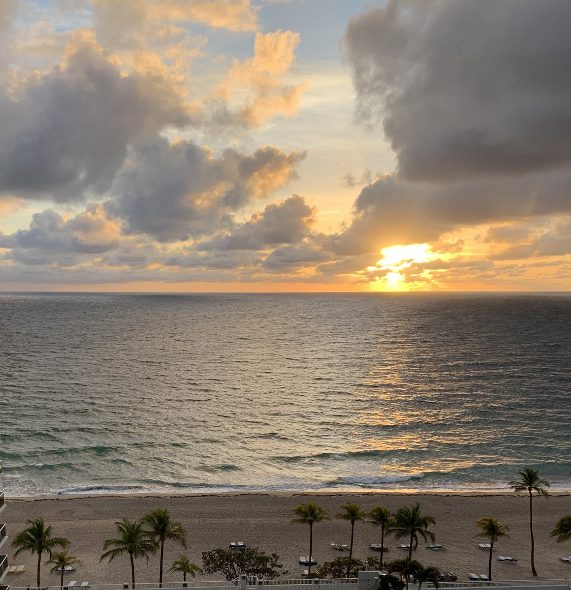 Start the week with a positive attitude and a dramatic sky. #Mondaymorning motivation in Fort Lauderdale.