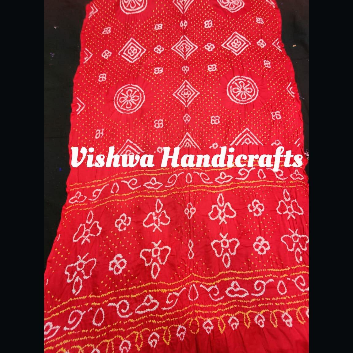 Pure gaji silk bandhej saree. #puregajisilksaree #bandhej #saree #vishwahandicrafts #onlineshopping #designersaree #followforfollow #vocalforvocal #fashion #handmade #Handcrafted #artisaninspiration #traditional #smallbusiness #unique #gajichat