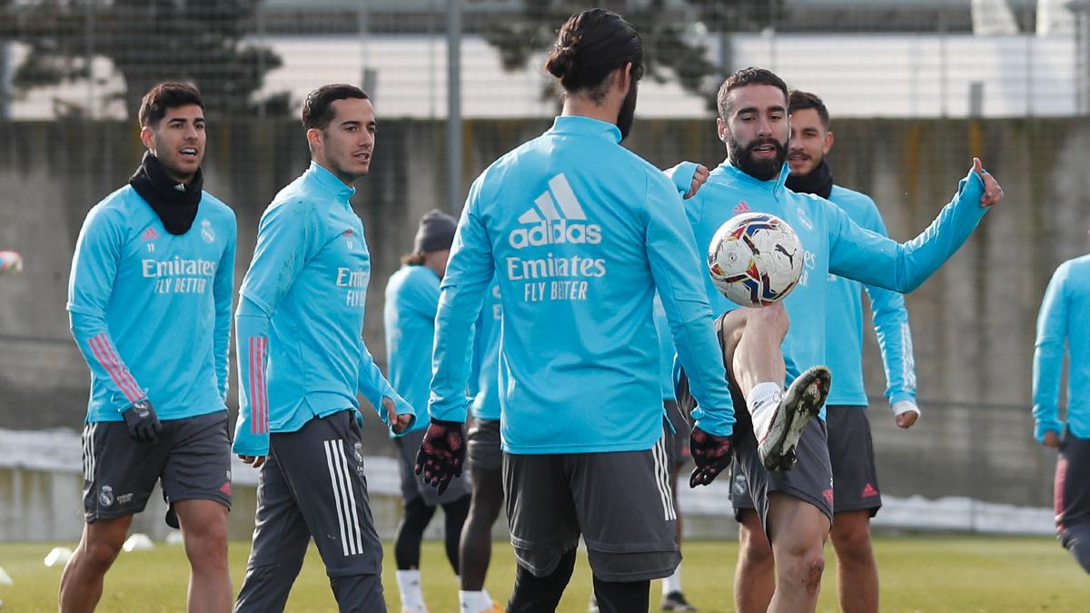 ⚽🏃 غدا يعود فريقنا للتدريب في مدينة ريال مدريد الرياضية!  🇪🇸 الحادية عشرة صباحا   🇸🇦 الواحدة ظهرا  #RMCity | #هلا_مدريد