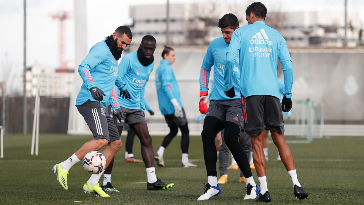 ⚽🏃 The team will be back in training tomorrow at 11:00 CET! #HalaMadrid | #RMCity