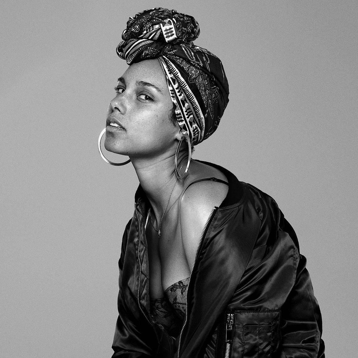 #Histórico| ¡Feliz cumpleaños, @aliciakeys! Keys ha recibido 15 Premios Grammy y 29 nominaciones a lo largo de su carrera. Recordamos nuestra charla con la cantante de soul y R&B ->  #ALICIA