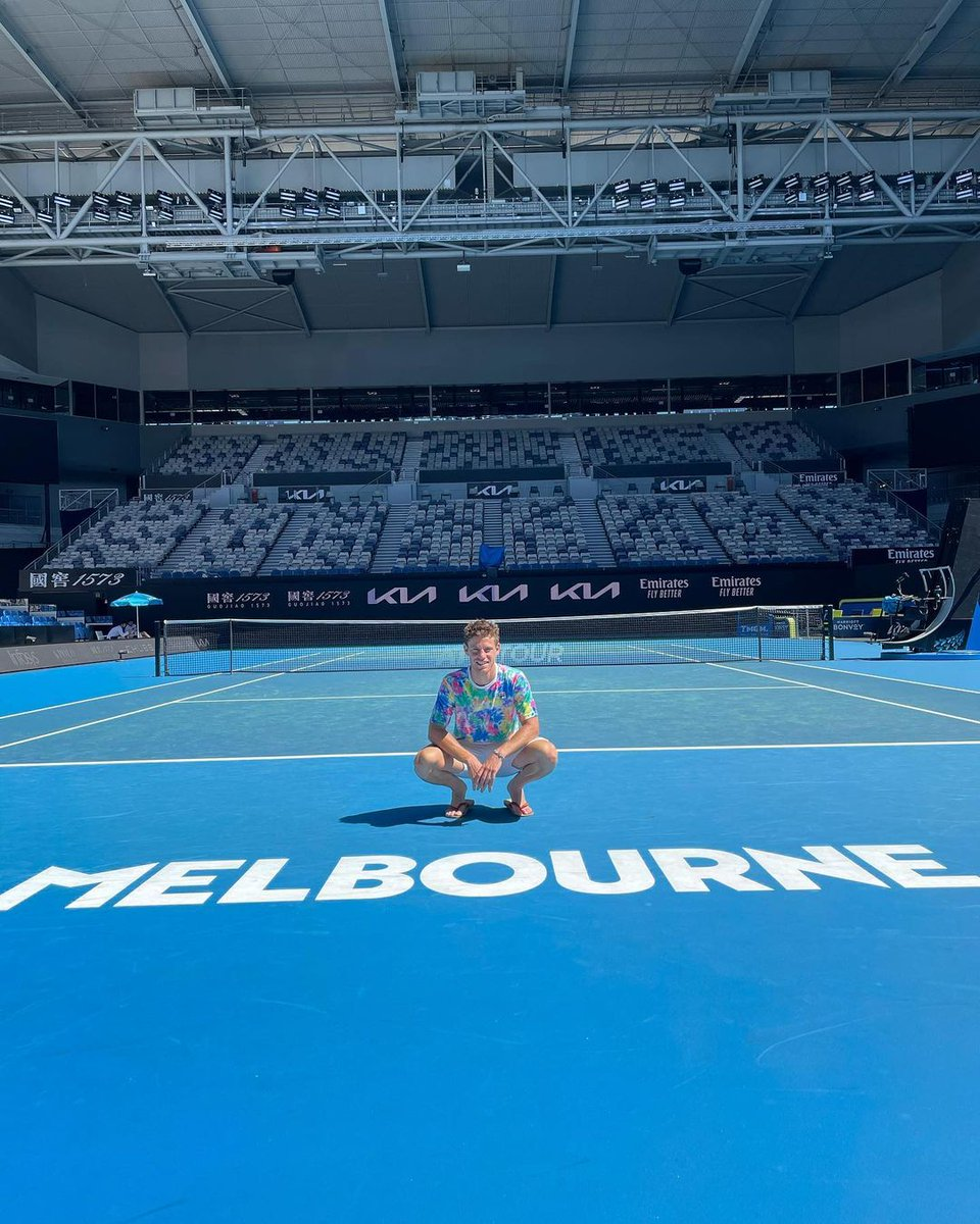 Digeo Schwartzman is in his tie-dye kit ahead of the #AustralianOpen...... so time to re-up two of my Diego-related essays: On tie-dye:  On the power of Jewish representation in sports: