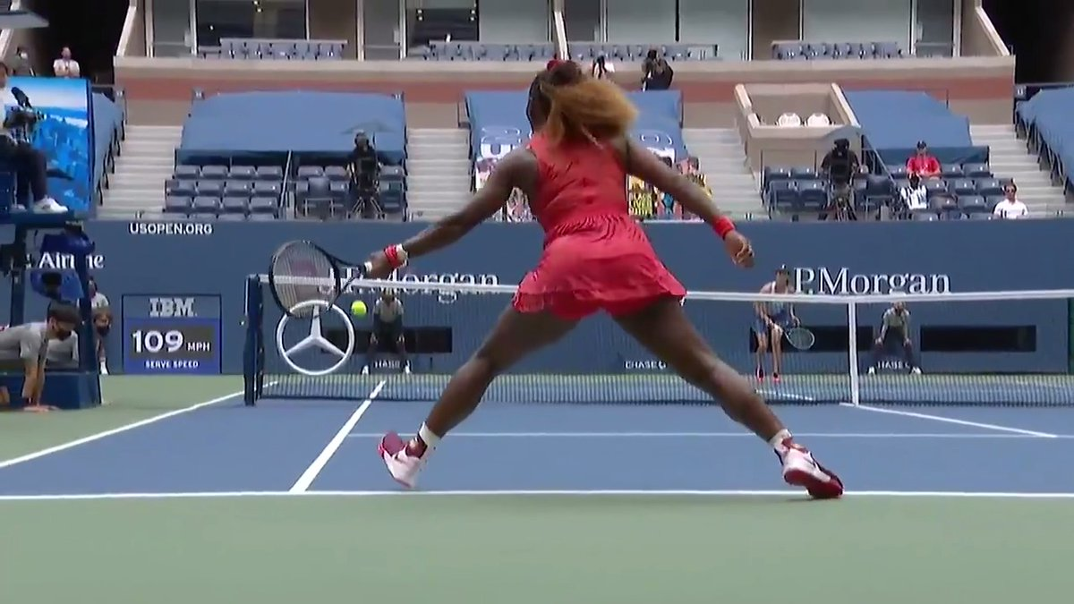 Replying to @usta: ✍️ when ✍️ in ✍️ doubt ✍️ switch ✍️ hands ✍️  Serena showing how it's done on #OppositeDay