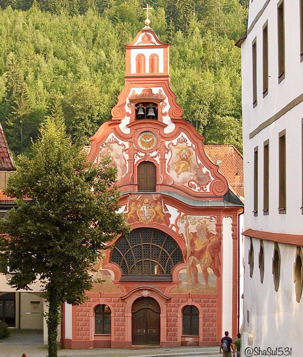 🇩🇪 Bavaria  Füssen #Bavaria, Germany, district of #Ostallgäu   @ThePhotoHour @LensAreLive @YourAwesomePics @jmlpyt #ephotozine #dailyphoto #Füssen #Bayern #Fresco #Frescoes
