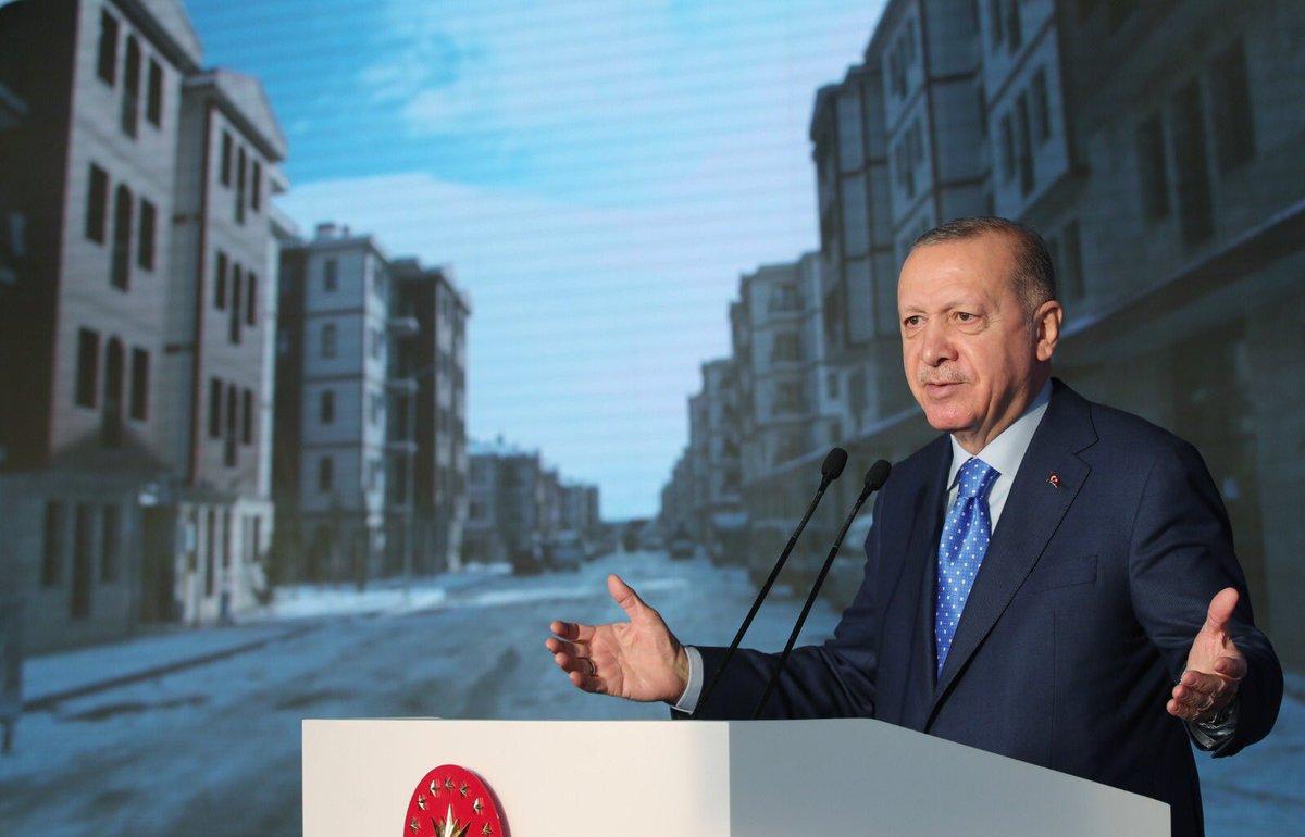 """""""Türkiye, çok sayıda konutu en kaliteli şekilde inşa ederek, yaraları hızla saracak bir kapasiteye ulaşmıştır"""""""