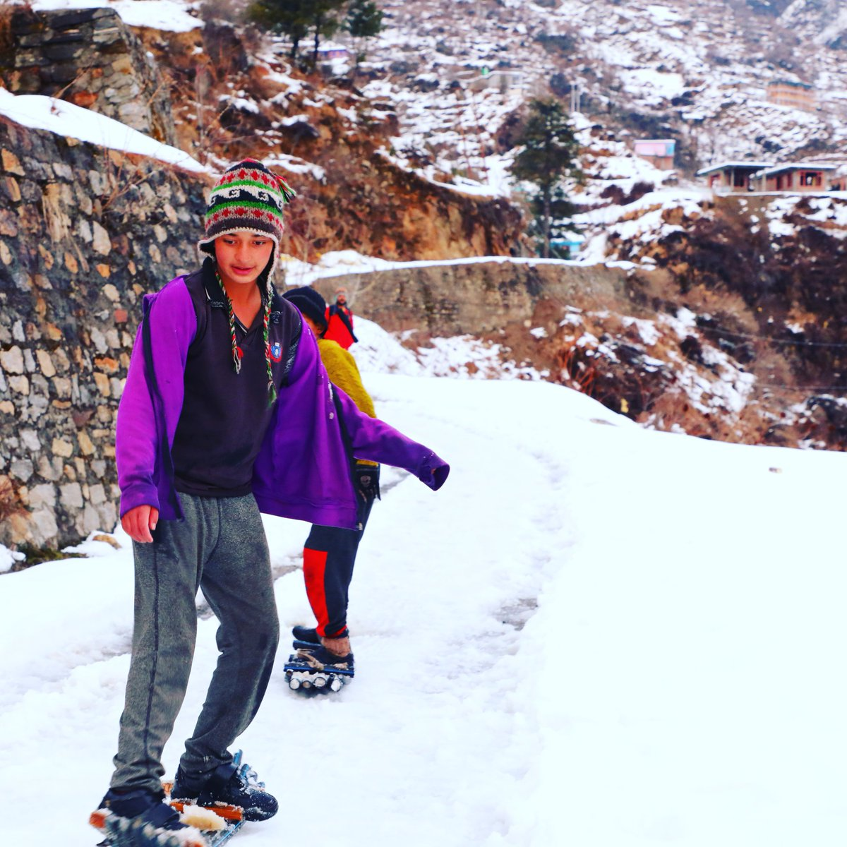 Imagine a childhood having months of winter breaks in School. Spending your winters #snowboarding and #skiing That's the Childhood you get up here in #Tosh #Kullu that high in #Himalayas Good to watch young kids getting used to sports where we lag far behind.