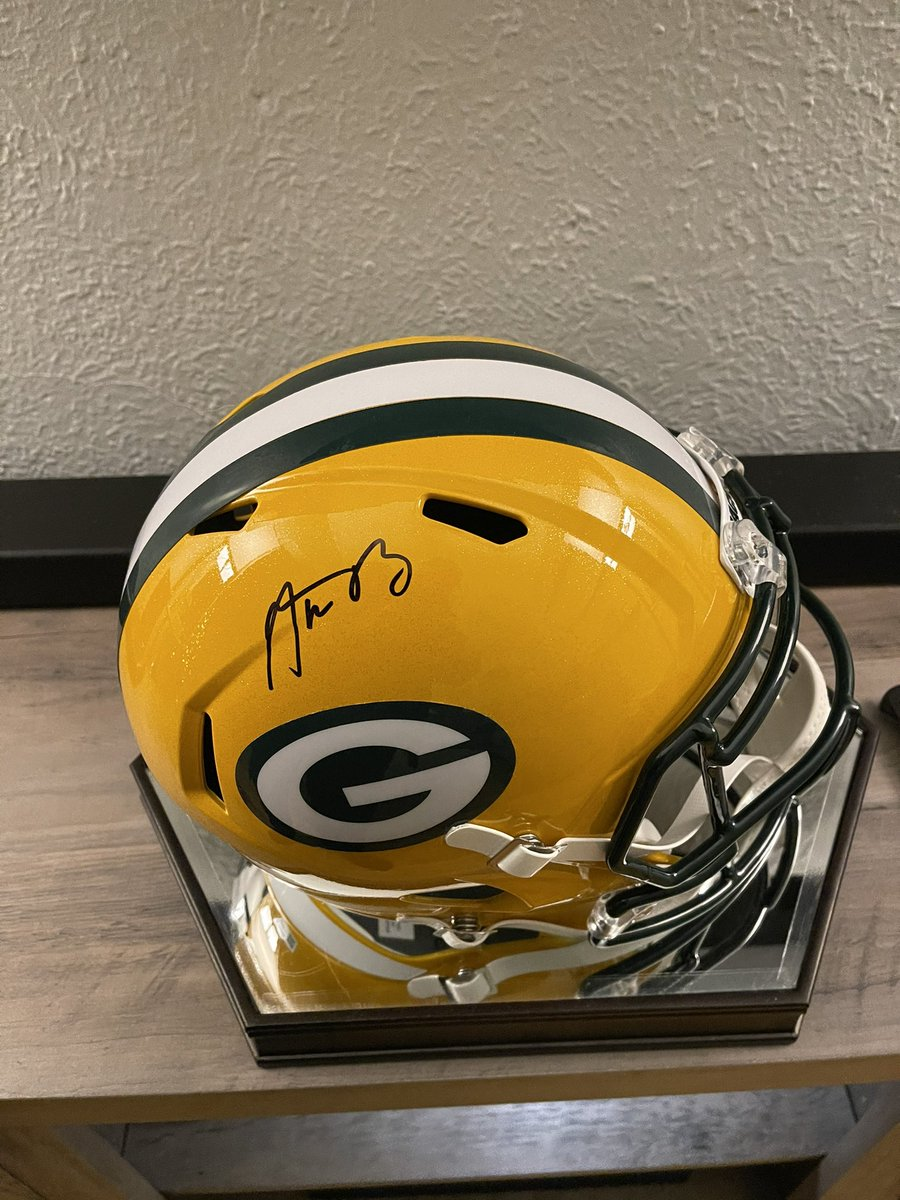 @PatMcAfeeShow #PatIDontWantToOverreactBUT if Aaron Rodgers leaves GB, I'm burning my signed AR12 dahn to da grahnd, alright? That way, he's out of my life for good and I don't need to look at it with sorrow everyday I walk into my living room—it would hurt too much.