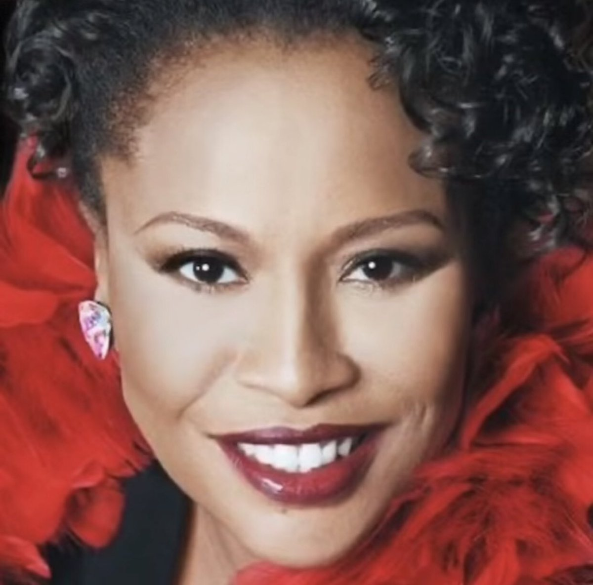 Happy Birthday to @JeniferLewis, a true QUEEN and incomparable DIVA!!👑 ✨