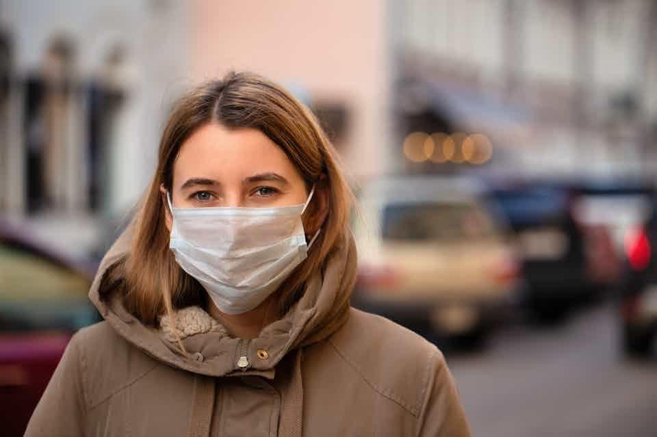 Vetenskaplig #fakta om #coronavirus #mutation #b1117: - mer smittsamt och dödligt - munskydd hjälper (3-lagers) - använd munskydd i kollektivtrafik  - handla online och undvik affärer - undvik flygresor helt - barn smittas och smittar  - vaccin skyddar  - tvätta händerna med tvål https://t.co/QiqJoSdPHb
