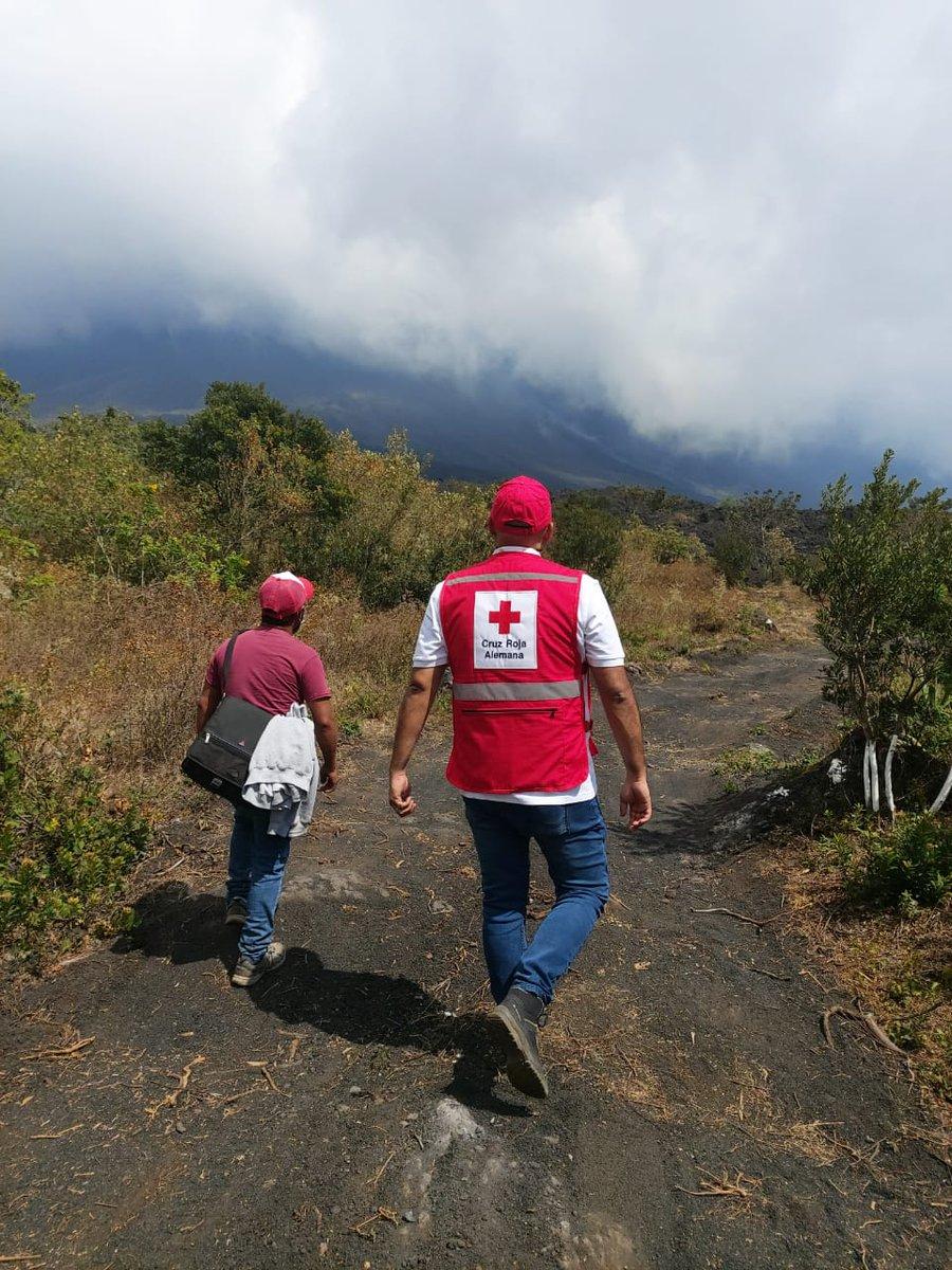 Visita de campo a Guatemala con @CRGuatemalteca para desarrollo de Planes de Acción Temprana. #FbF Día 1: volcán Pacaya. @roteskreuz_de @rccc
