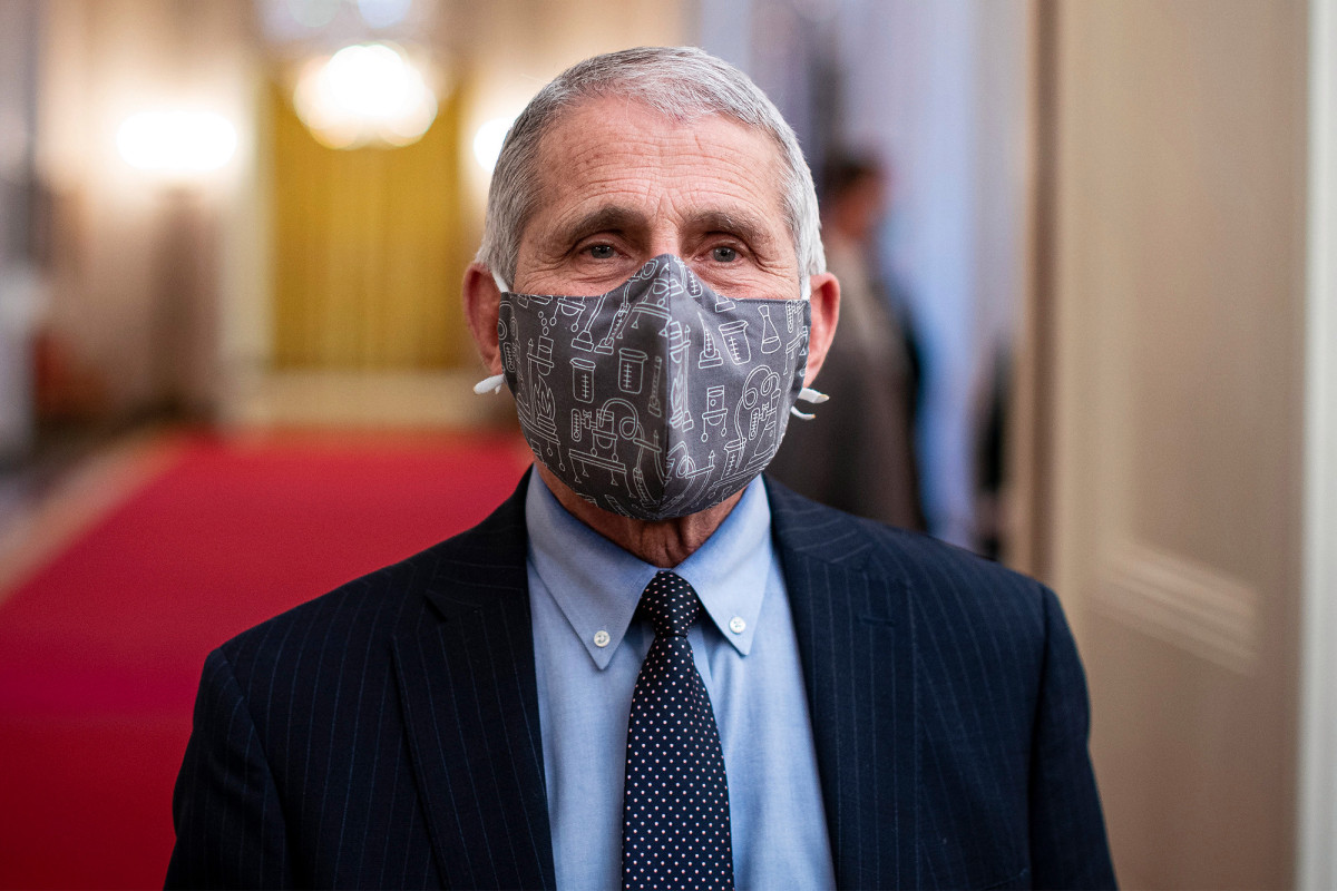 Fauci: Wearing two masks is better than one