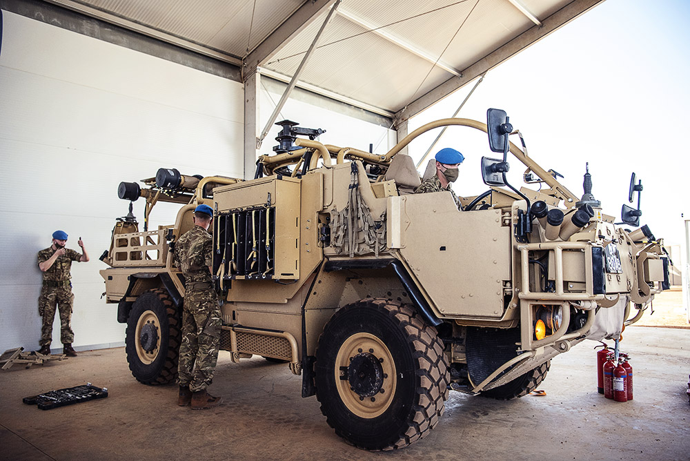 """""""We have been training hard over the last year to make sure we are ready for this mission""""  The enhanced contributions from @UN_MINUSMA's British🇬🇧contingent will directly support stabilization efforts in Gao, Mali. @DefenceOps @LDLightCav @RAnglians #A4P"""
