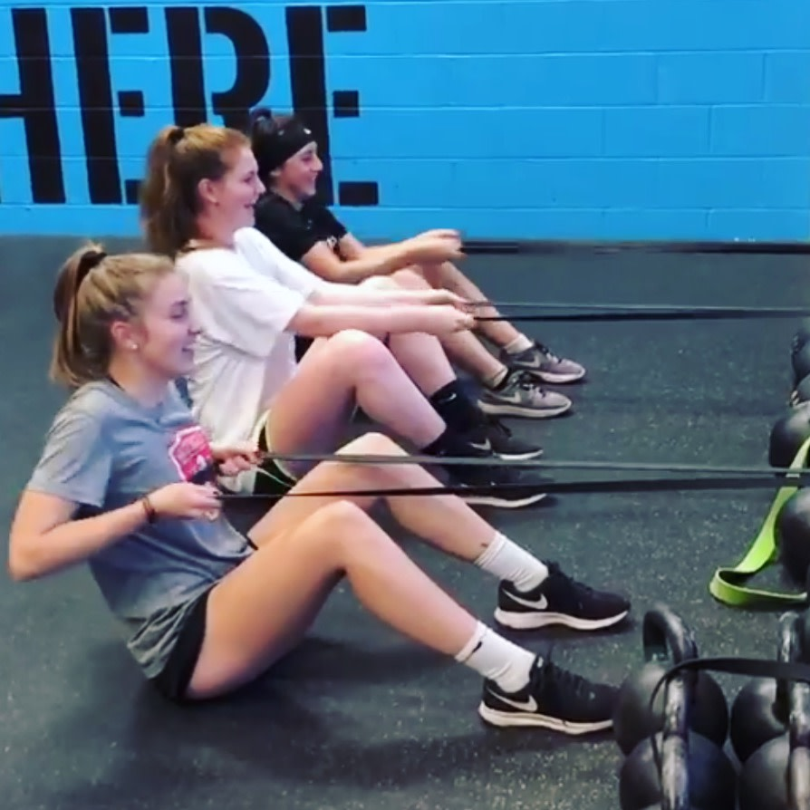 Friends that row together, stick together! We love the relationships our athletes form in the gym during our COMPETE sessions. There's no bond like the one you form when yo... #teamtraining #sportsperformance #strengthandconditioning #strengthtraning #row #rows #exercise #fitness