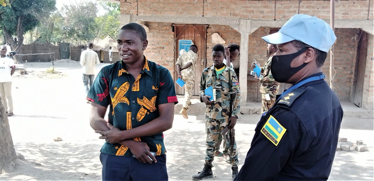 With reduced political violence across #SouthSudan, some 600 displaced households have returned to their original homes in & around Li Rangu, Western Equatoria. #UNMISS peacekeepers recently visited the area to assess the security & humanitarian situation on the ground.  #A4P