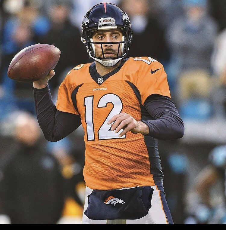 #PatIDontWantToOverreactBUT @AaronRodgers12 looks quite good in a Broncos uniform!