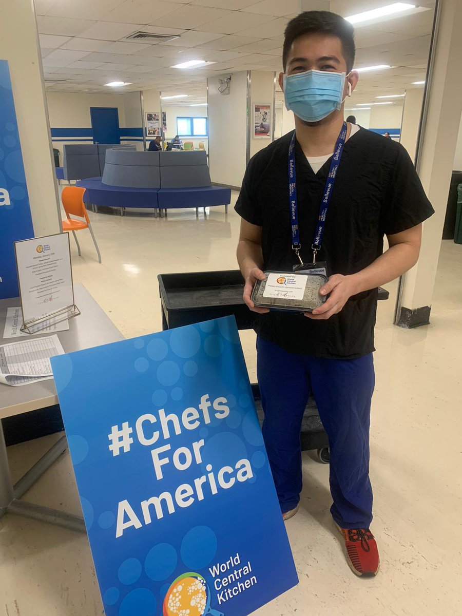 As Covid infections rise in many areas across the US, New York's available ICU beds are at their lowest level since spring. In response, WCK has reactivated our efforts providing restaurant meals for frontline healthcare workers at 15 public hospitals in NYC. 🏥 #ChefsForAmerica