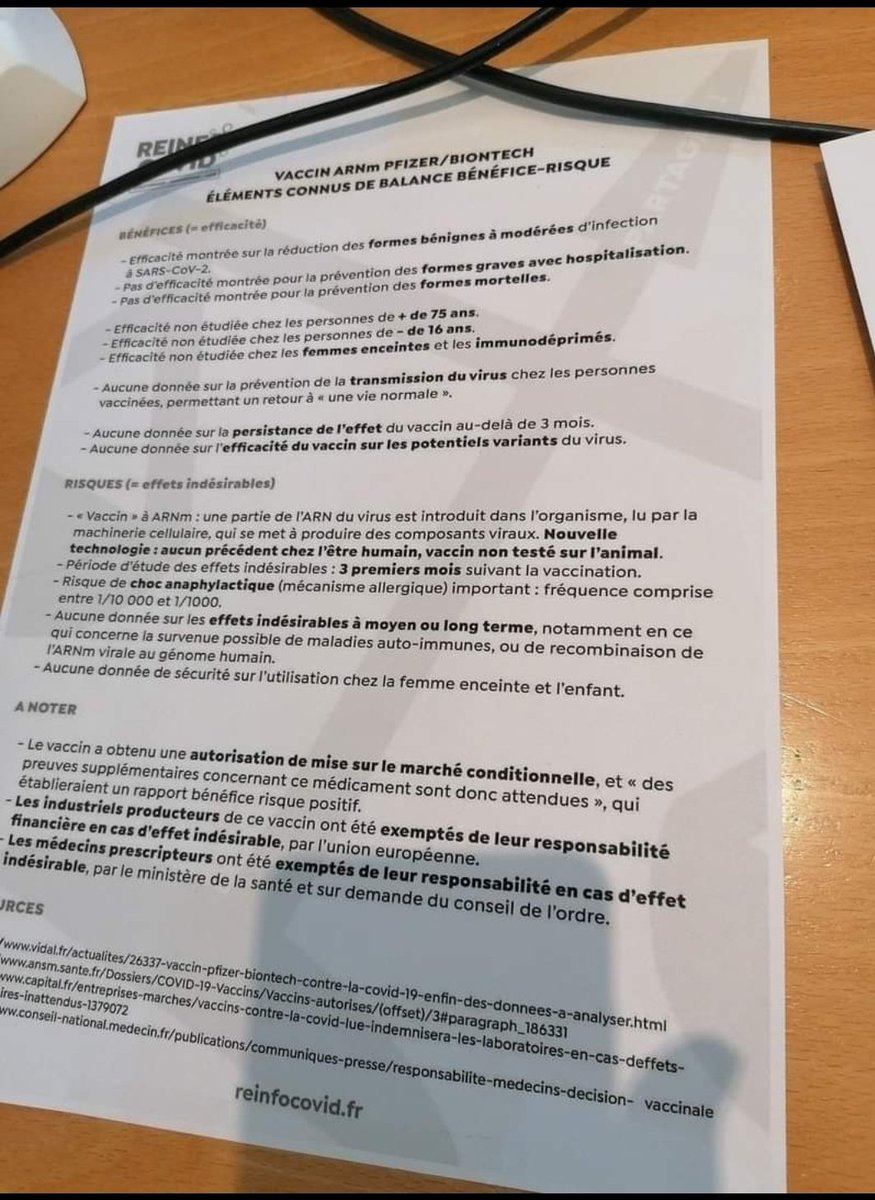 Pris en photo sur le bureau d'un médecin, le rapport Vidal bénéfice/risque du #vaccin #Pfizer. N'oubliez pas qu'on nous dit de nous faire vacciner pour éviter les formes graves du #Covid_19 Agrandissez, lisez... #fakenewsmedia #VeranDemission #confinement #DictatureSanitaire