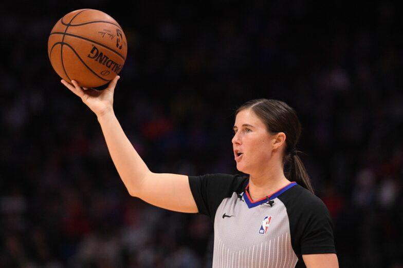#NBA tarihinde bir maçı yönetecek ilk kadın hakem ikilisi;  Natalie Sago 🤝 Jenna Schroeder https://t.co/gNP3YMt6i1