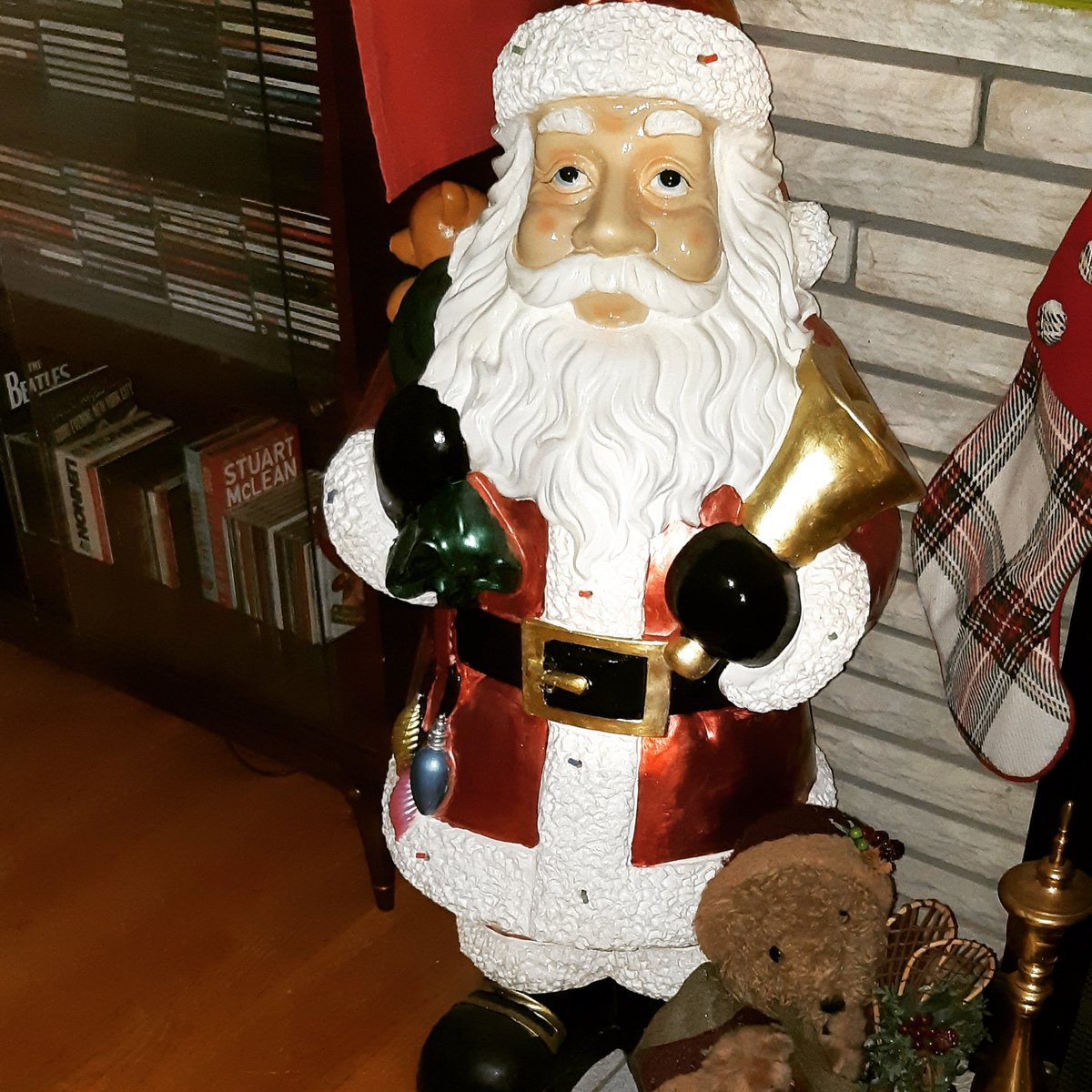 Our 40 inch tall, motion activated light up and musical Santa Claus find from 2020 #christmas #santaclaus https://t.co/cddbeA4o1e