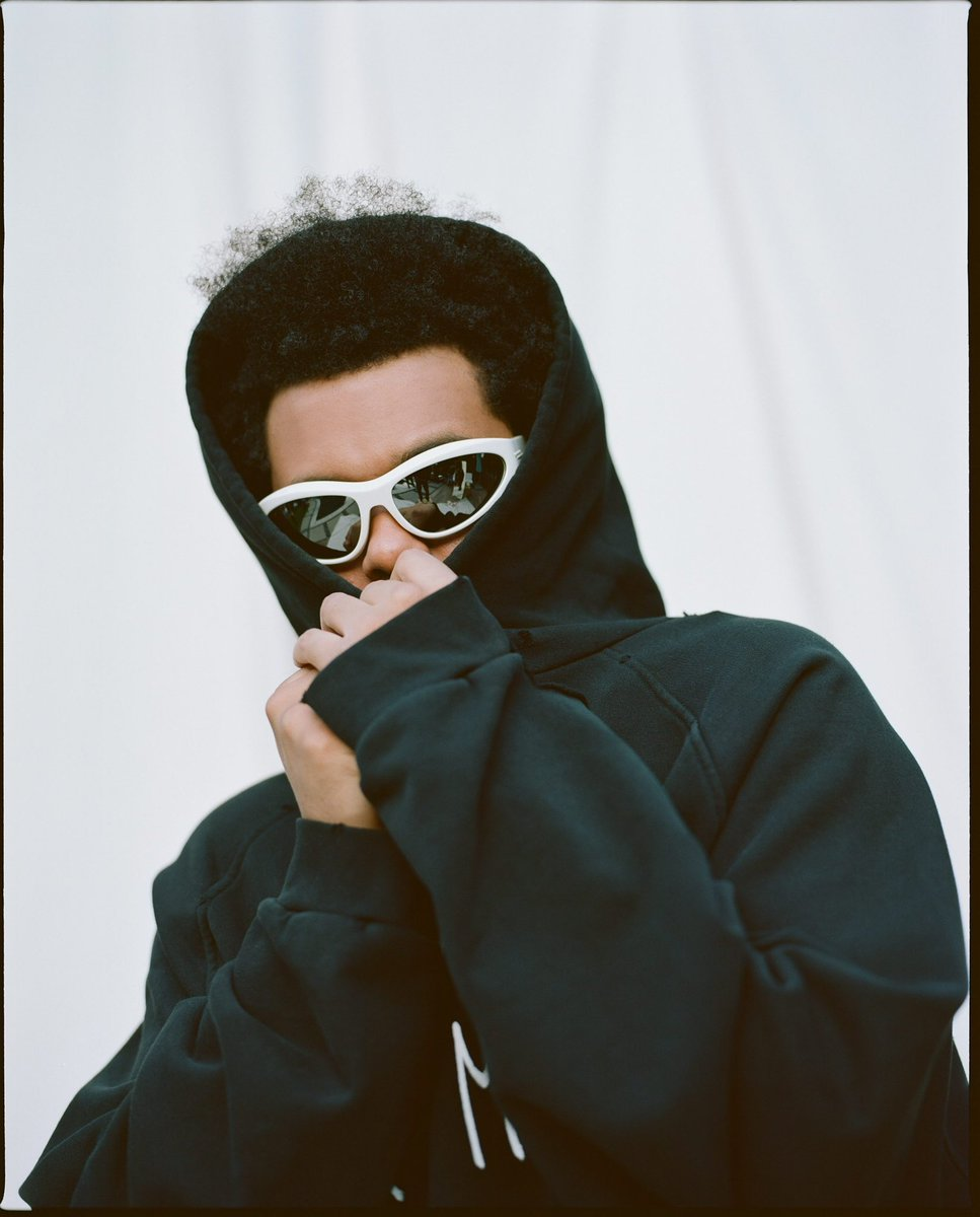 .@theweeknd's 'Blinding Lights' extends the record for the longest running Top 10 hit in Billboard Hot 100 chart history, with 46 weeks.  – It also extends the record for the longest running Top 5 hit of all-time, with 37 weeks.