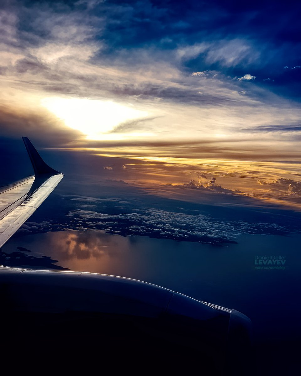 Heaven Is A Place On Earth  #picoftheday #photography #photooftheday #sky #flight #clouds #wings #igers #igaddict #huawei