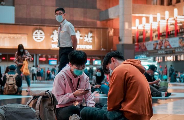 """وسائل إعلام صينية تهاجم لقاح """"#فايزر"""" وتروج لنظرية #كورونا جديدة"""