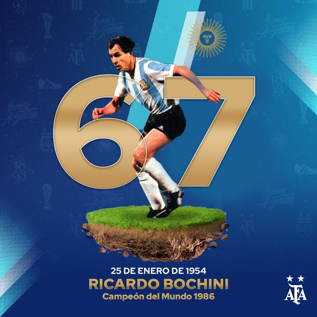 #SaludoAlbiceleste 🇦🇷 Ricardo Bochini, campeón del mundo en 1986 con la Selección @Argentina, cumple 67 años. ¡Felicidades Bocha! 👏👏
