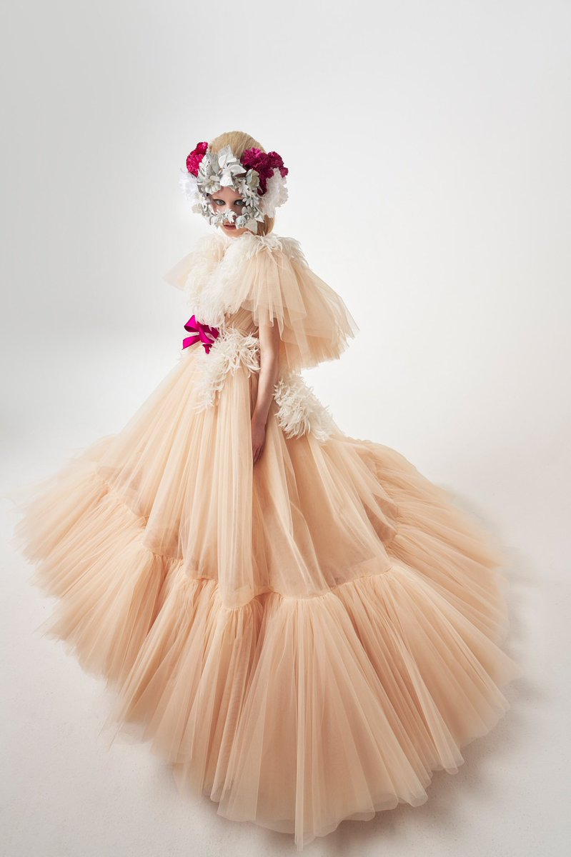 Replying to @diorangxl: Giambattista Valli Spring 2021 Couture