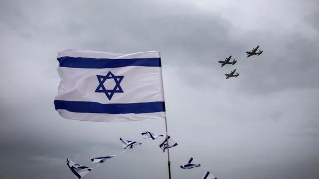 Israel to close its only major airport in bid to slow coronavirus spread https://t.co/qUnj0q2Lu0 https://t.co/79uiYEQtIZ