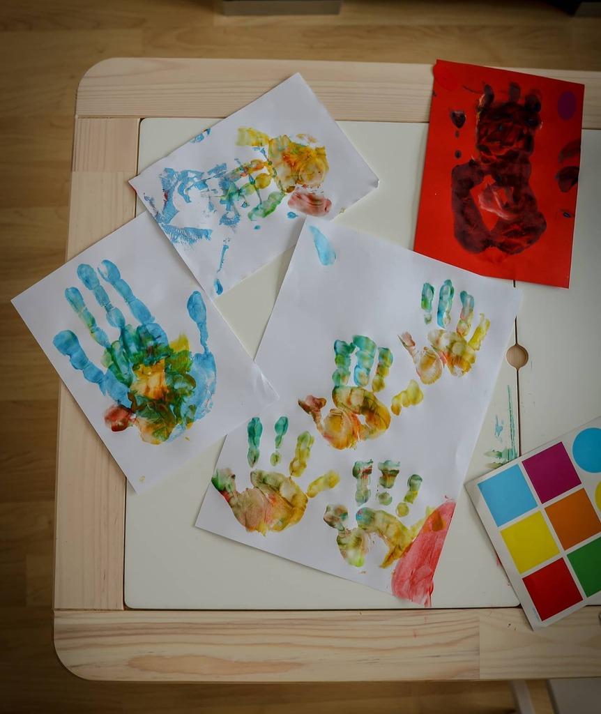 Let's use all the colours  #fingerpainting  #photooftheday #photography #instadaily #instamood #igers #lightroom #ig_europe  #tomtakesphotos #ig_switzerland  #igersswitzerland #stayhomestaycreative #canonswitzerland #canonstories #canonhomestories