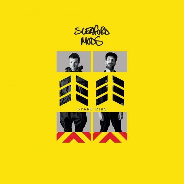 Disco: 'Spare Ribs' de Sleaford Mods (2021) 🎤  Este dúo de Nottingham regresó con #SpareRibs, el cual no sirve de escape, sino es una dosis de realidad que le da un giro a la crítica de las políticas 'democráticas' y a aquellos que las crean 🤔 Un gran disco de @sleafordmods https://t.co/fkiIpVLQXC