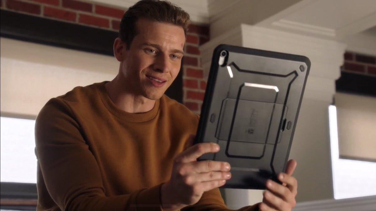 look at him i'm so happy he's ready to acknowledge his true feelings :') #911onFOX
