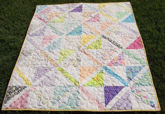 #Happy and #Brigth #handmade #quilt #GiftfsforTeen #giftfortoddler #Toddlergirl #pastels #Babyshower #babygirl