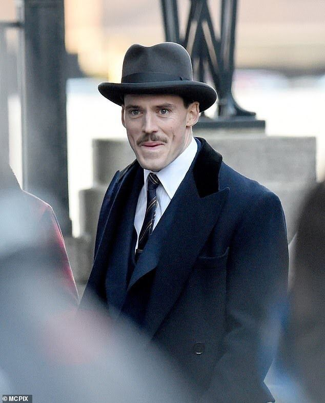Replying to @canbepretty: Sam Claflin in Peaky Blinders