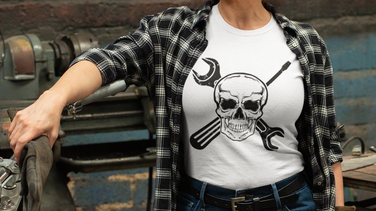 A new Mechanic logo with a #skull design  #tshirts #tshirtsdesign #handmade #etsy