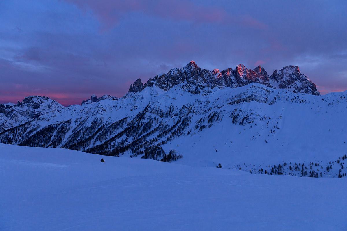 Tramonto da Passo Valles, stasera https://t.co/BNn...