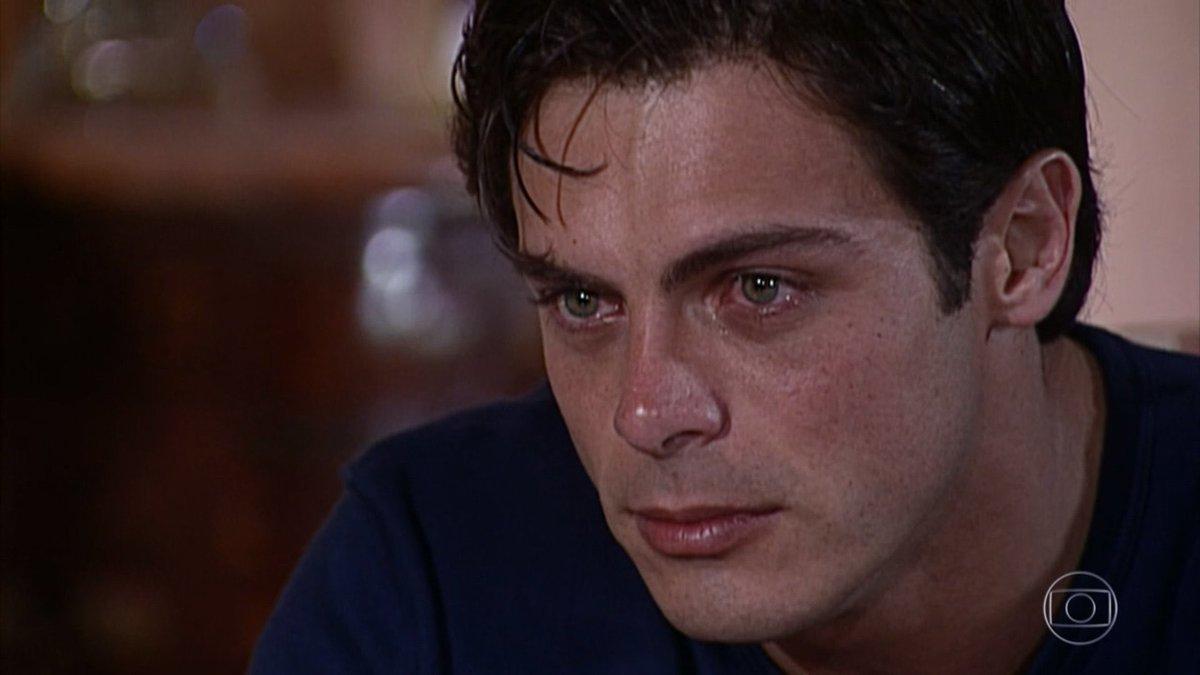 Como eu acho que choro / Como eu realmente choro.  #LacosDeFamilia